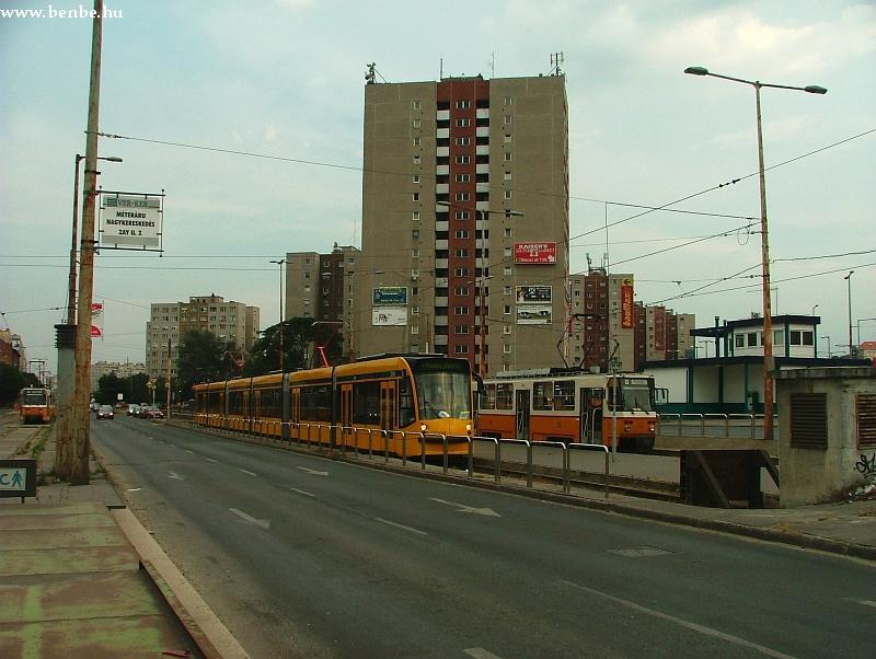 A 2008 pályaszámú Siemens Combino érkezett próbaútján a Vörösvári úthoz fotó