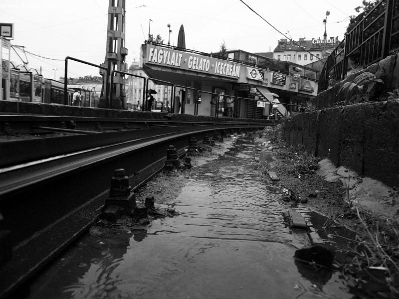 Nem jár már villamos a Moszkva téri hurokban fotó