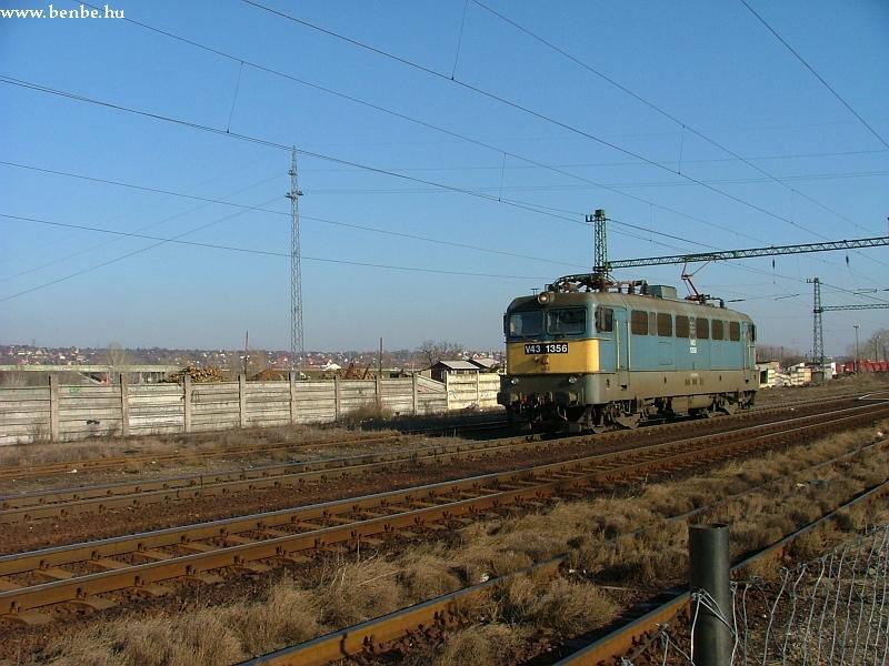 V43 1356 Nagytétény-Diósd állomáson fotó