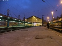 A Nyugati pályaudvar este