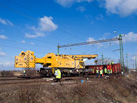 The accident crane from Szolnok at the site of the derailment at R�calm�s
