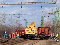 The site at the Rácalmás derailment with the Kirow crane from Szolnok