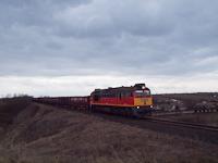 A baleset miatt terelt tehervonat Nagykarácsonynál - a vonógép a MÁV-TR92 55 0  628 333 -0 (ex-M62 333)