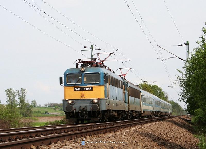 V43 1165 és egy Gigant Hévízgyörkön fotó