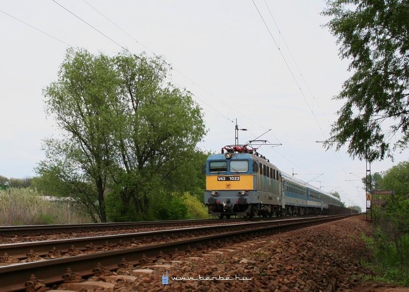 V43 1022 Galgahévíznél fotó