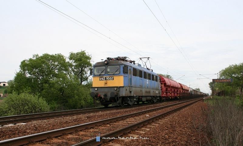 V43 1057 Galgahévíznél fotó