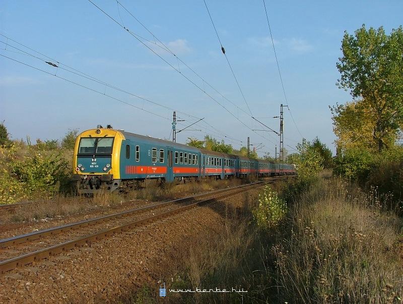 BDt 439 Kõbánya-felsõnél fotó