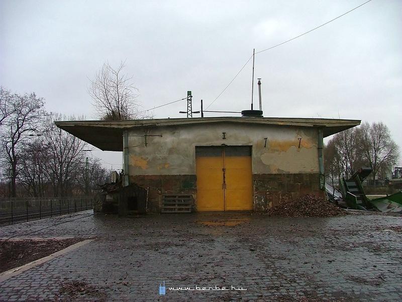 Rákoskeresztúr megszûnt állomás raktára fotó