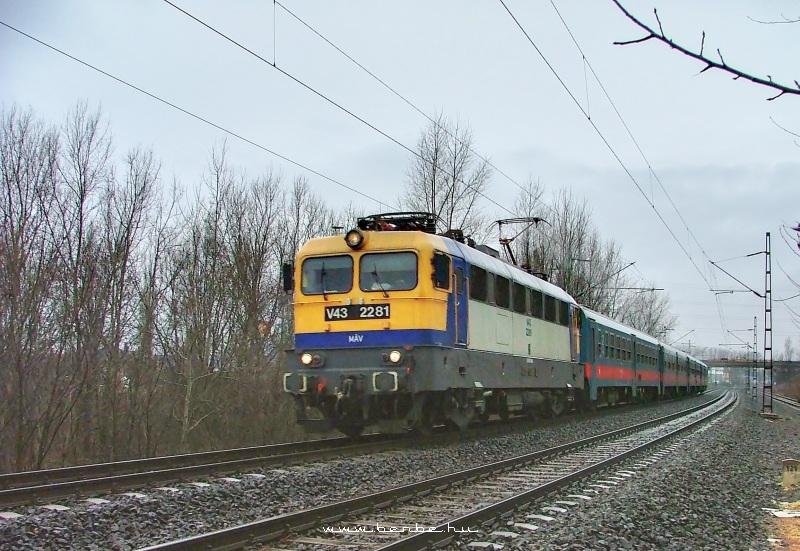 V43 2281 Rákosnál fotó