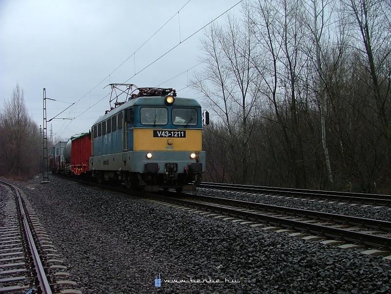 V43 1211 Rákosnál fotó