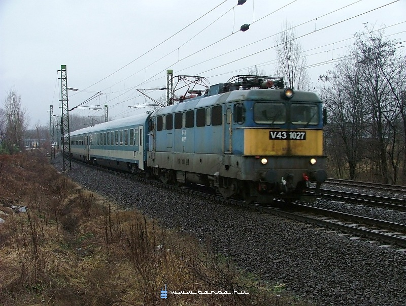V43 1027 Rákosnál fotó