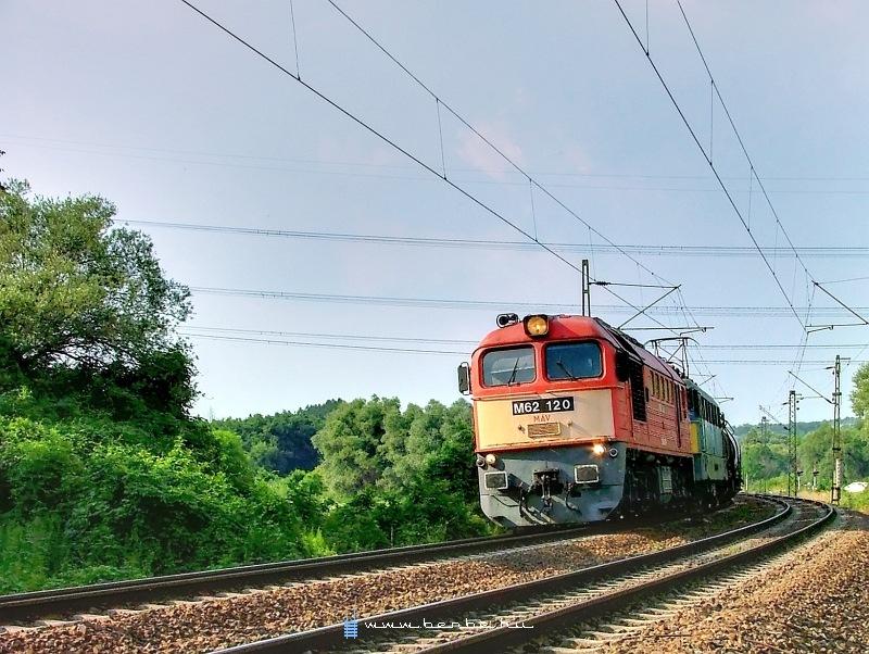 V62 120 Pécelnél fotó
