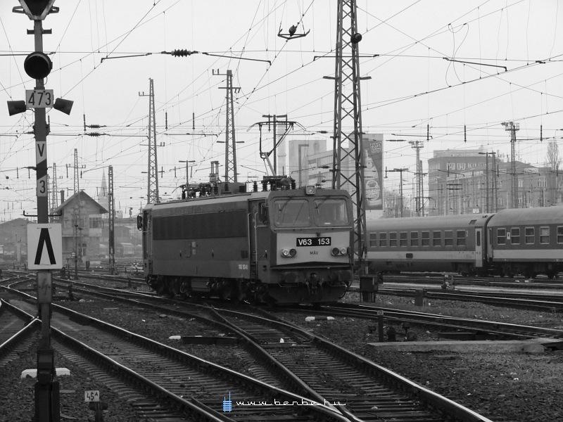 V63 153 a Keleti pályaudvaron fotó