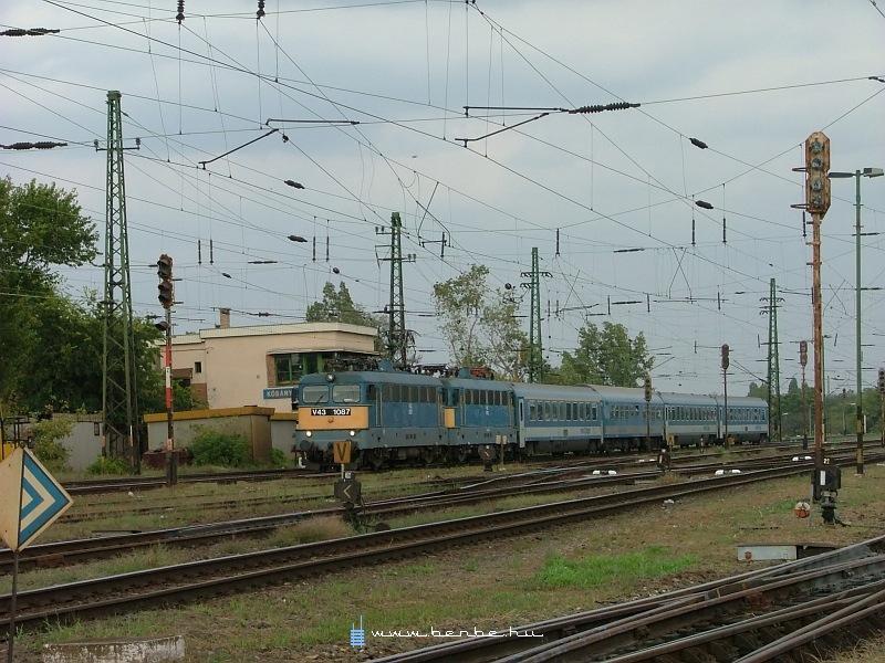 V43 1087 Kõbánya-felsõn fotó