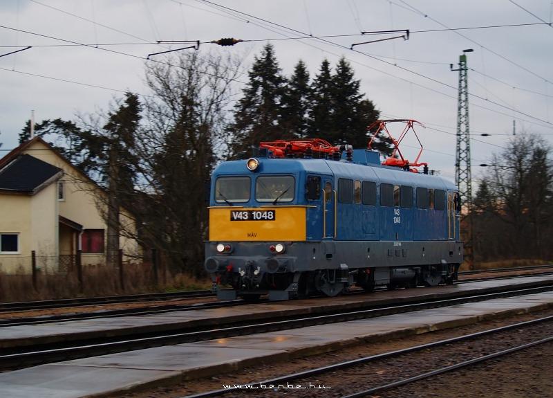 V43 1048 Isaszegen fotó