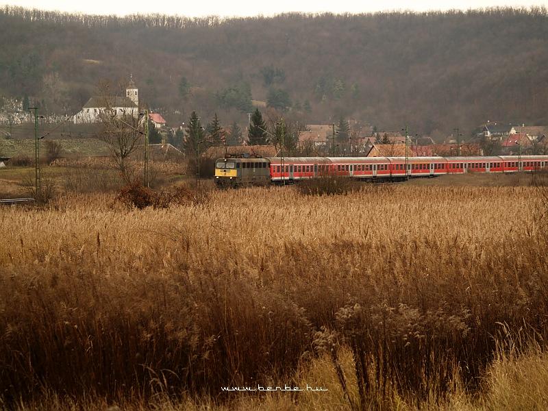 V43 1348 Isaszegnél fotó