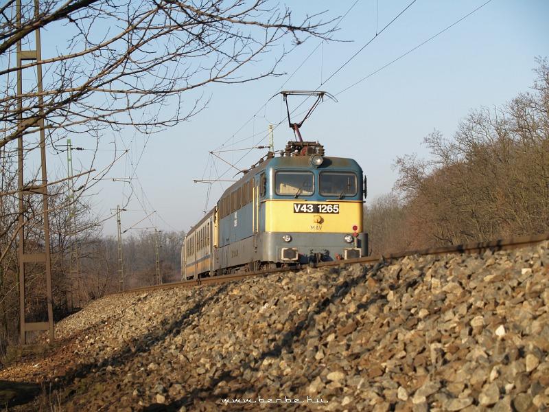V43 1265 Isaszegnél fotó