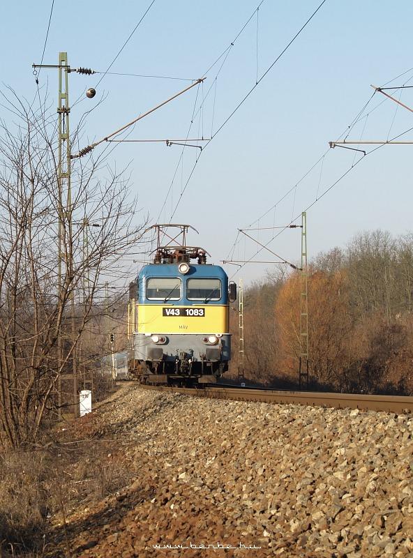 V43 1083 Isaszegnél fotó