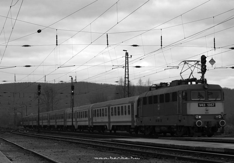 V43 1357 Isaszegen fotó