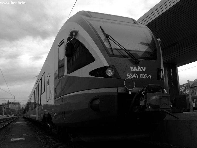 5341 003-1 készül elindulni Pusztaszabolcsra fotó