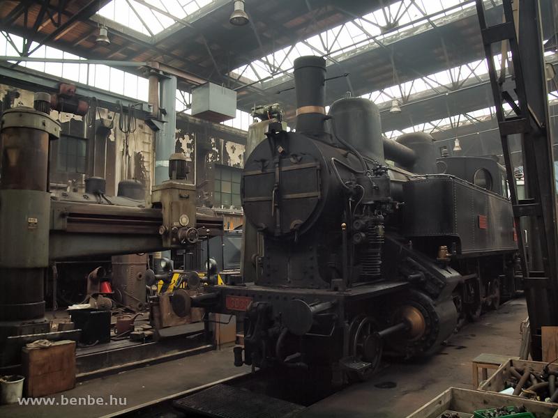 A kkSTB 30.33 pályaszámú, elővárosi forgalmú gőzmozdonya Strasshofban fotó
