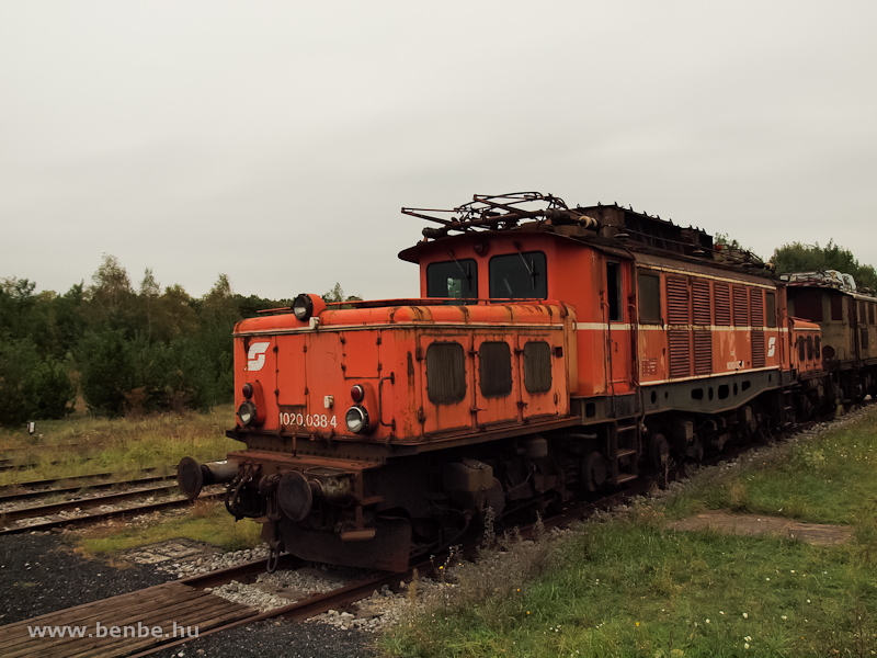 Az ÖBB 1020 038-4 Strasshofban fotó