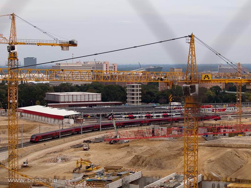 ÖBB railjet a Bécs Főpályaudvaron fotó