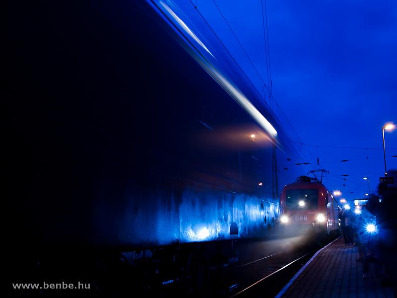 Az ÖBB 1116 011-6 Hegyeshalomban a kék órában fotó