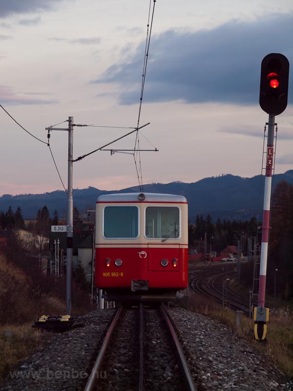 A 905 952-8 pályaszámú foga fotó