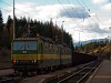 A ŽSCS 131 019-2 tol föl egy tehervonatot Csorba állomásra