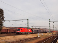 The �BB 1116 049-6 is preparing to haul a freight train of gondolas from Hidasn�meti station