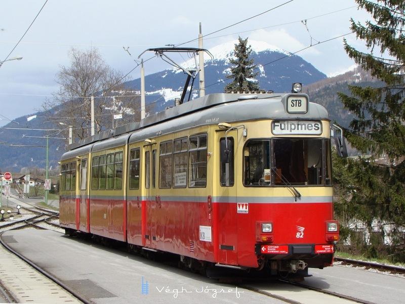 A 82-es pályaszámu villamos a Fulpmesi végállomáson  fotó