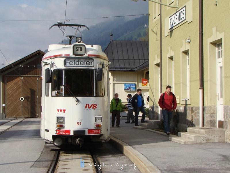 Profilból az STB-vonat  a fulpmesi végállomáson fotó