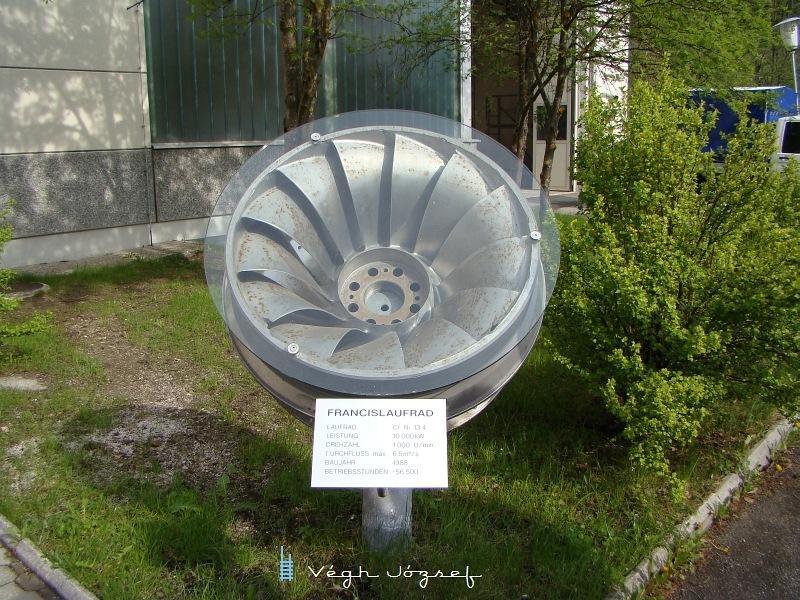 Egy 1988-as évjáratu Francis-turbinalapát   fotó