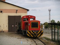 The ex-Gy�ngy�s locomotive Mk48-411 at Szilv�sv�rad, now repainted