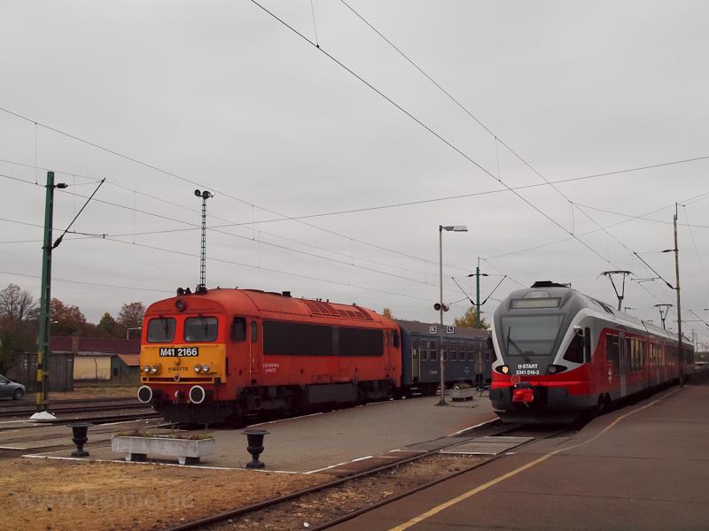 A MÁV-Trakció M41 2166 és a fotó