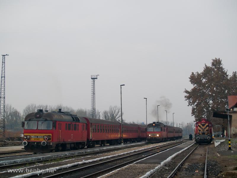 MDmot 3025, MDmot 3003 és M44 430 Vásárosnamény állomáson fotó