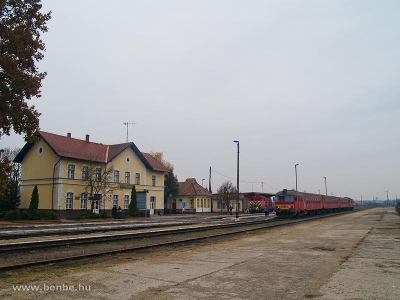 Btx 019 és M44 430 Vásárosnamény állomáson fotó