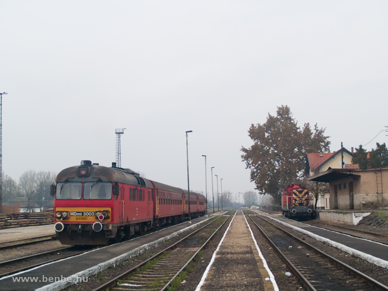 MDmot 3003 és M44 430 Vásárosnamény állomáson fotó
