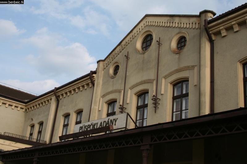 Püspökladány állomás fotó