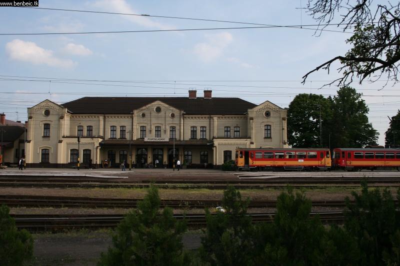Püspökladány állomás látképe fotó