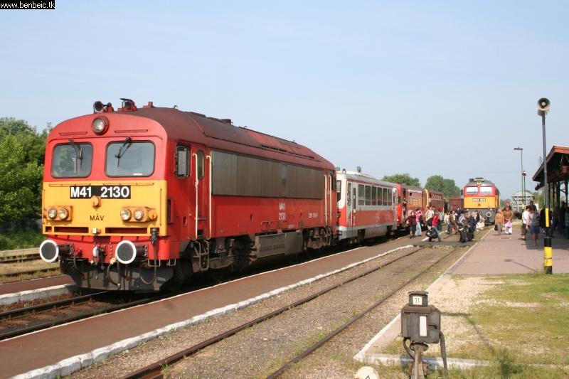M41 2130 at Berettyóújfalu station photo