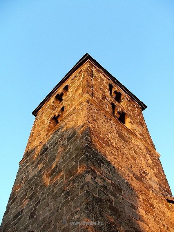 A nagybörzsönyi Szent István-templom tornya fotó