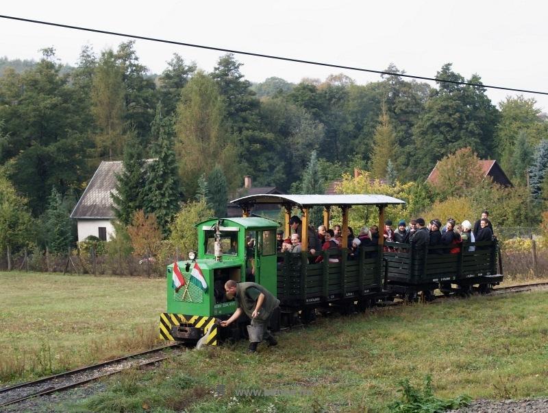 A Kemencei Erdei Múzeumvasút PN-3 mozdonya Kőrózsánál fotó