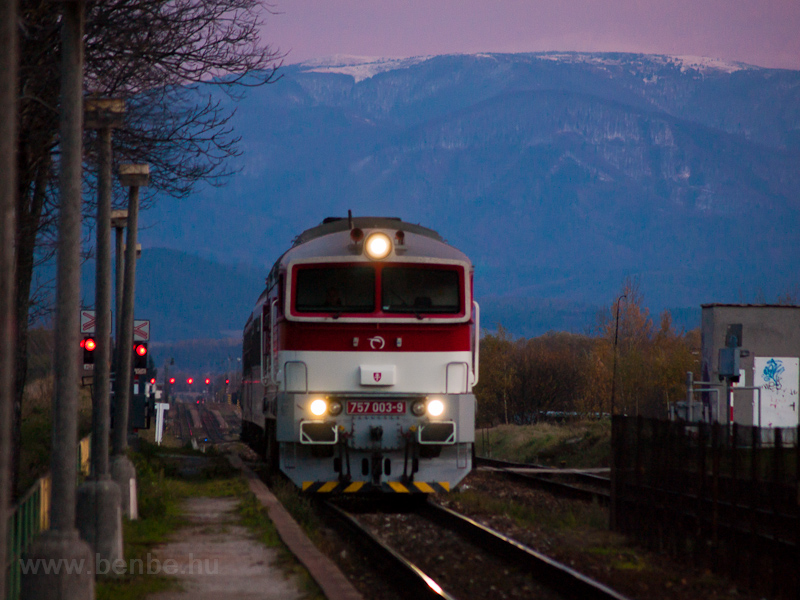 The ŽSSK 757 003-9 seen between Diviaky and Turčianske Teplice photo
