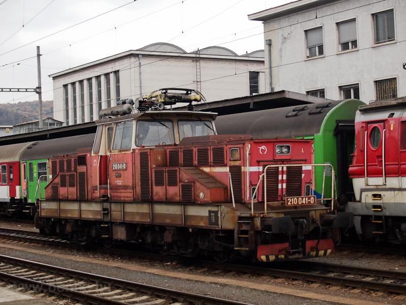 A ŽSSK 210 041-0 Zólyo fotó