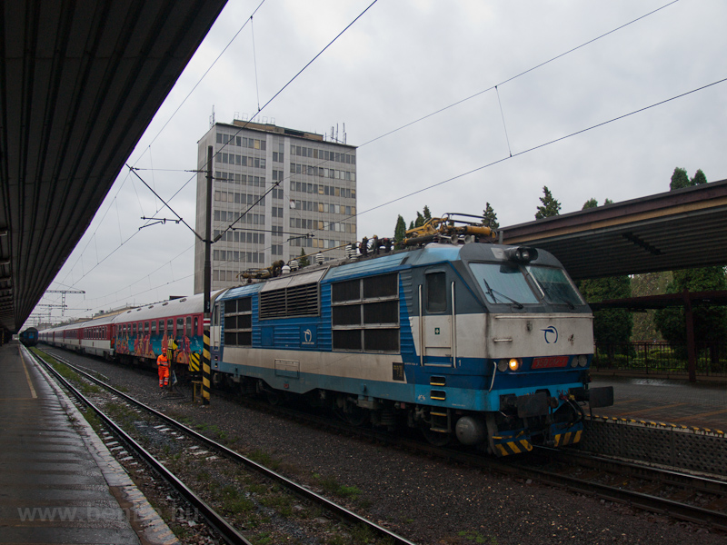 The ŽSSK 350 012-1 see photo