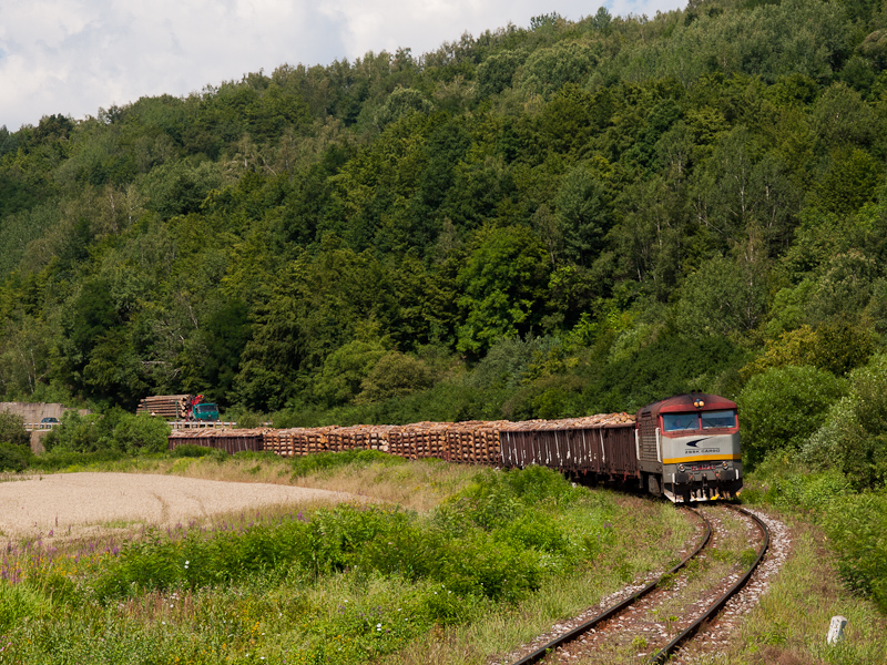 The ŽSSK 751 173-6 seen between Henckovce and Gemerska Poloma photo