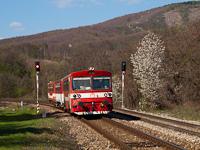 A ŽSSK 812 021-8 Podkriváň (Divényoroszi) és Fűrész között