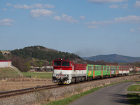 The ŽSSK 754 032-1 seen between Detva and Dombszög